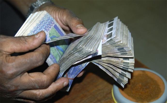 Un paquet de fric témoignant de la corruption. Photo web